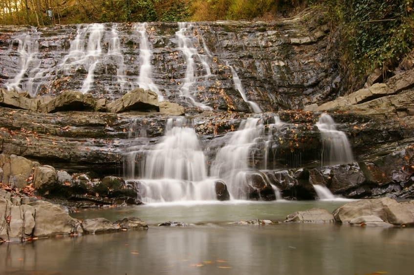 Каскад из водопадов на реке Змейка - фото
