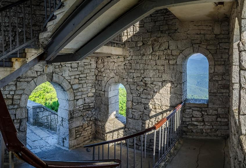 Башня Ахун внутри - фото