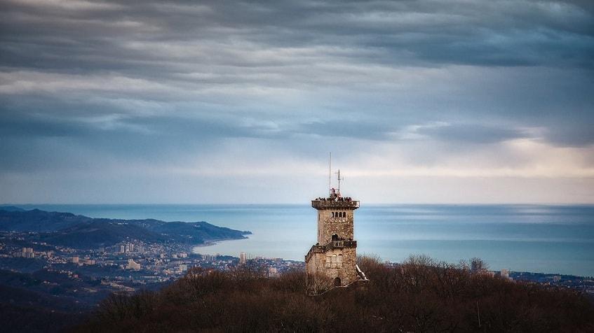 Башня Ахун - фото
