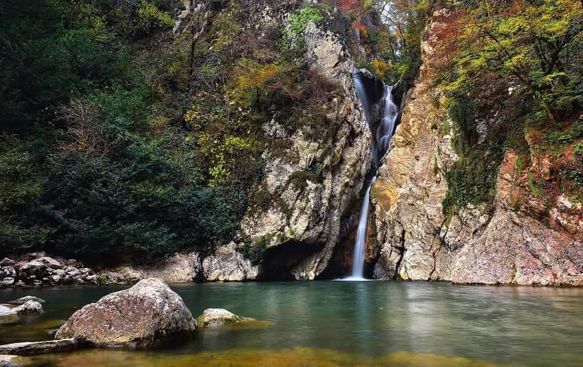 Один из водопадов - фото