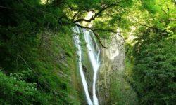 Ореховский водопад летом - фото