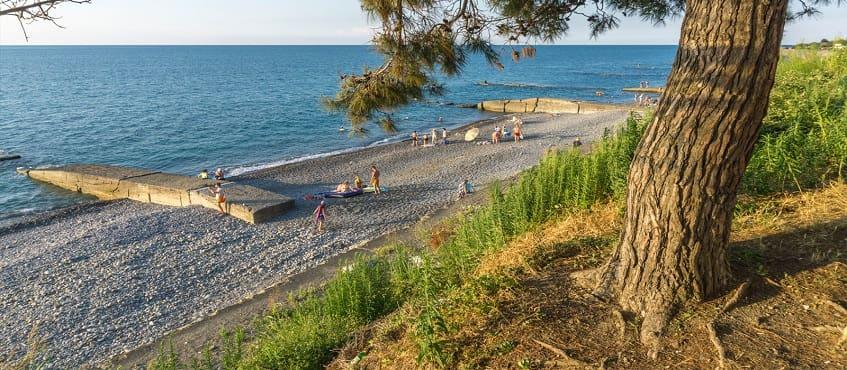 Пляж поселка Головинка - фото