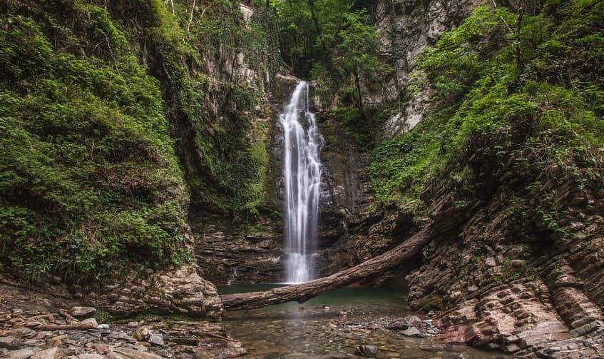 Ажекский водопад - фото