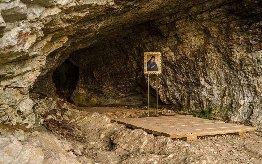 Икона Ахтырской Богоматери - фото