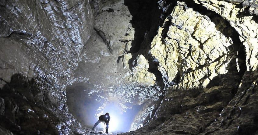 Кабанья пещера или Кабаний провал - фото