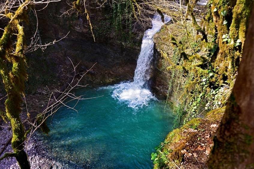 Водопад Ажек - фото