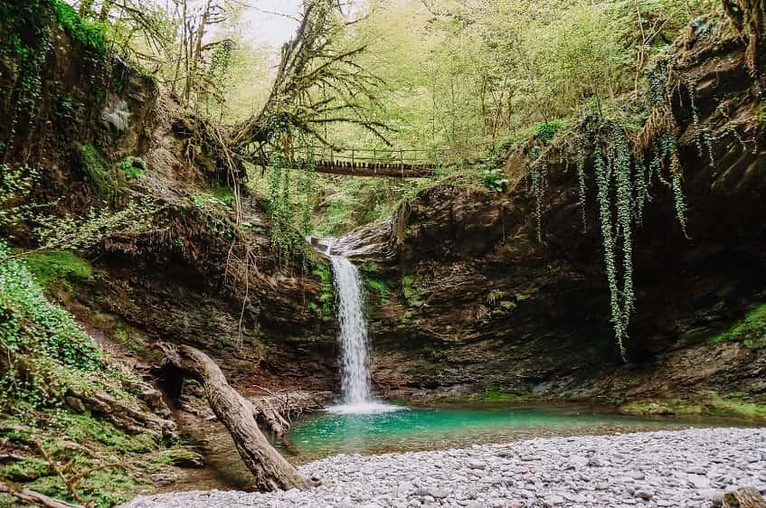 Неописуемая красота Ажекских водопадов - фото