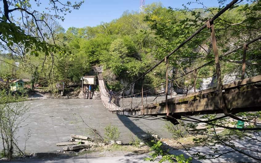 Подвесной мост в Казачьем Броде - фото