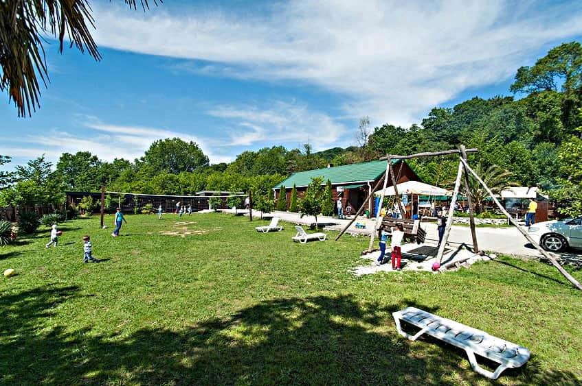 Территория туристической базы озера Ахун - фото