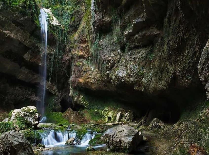 Водопад Пасть дракона (Глубокий Яр) - фото