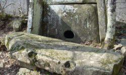 dolmen-podle-aula-kalezh