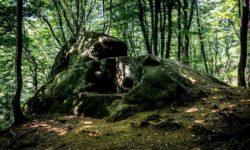 dolmen-v-mamedovom-ushchele