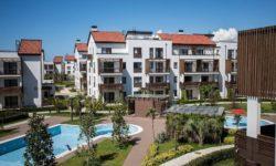 Один из дворов Олимпийской деревни - фото