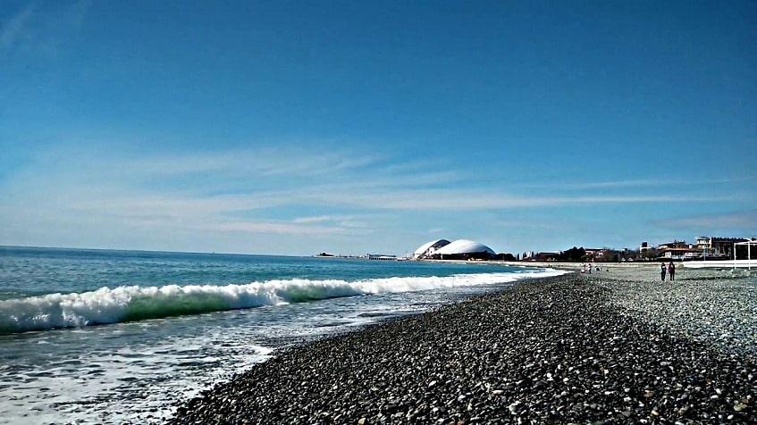 Один из пляжей Имеретинки - фото