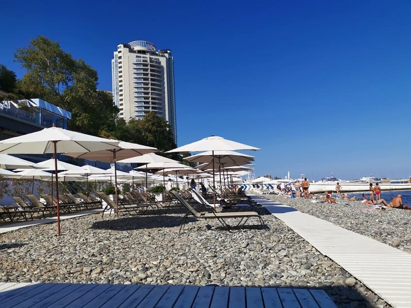 Приморский пляж - фото