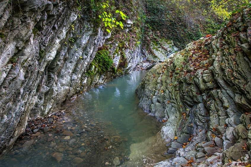Чарующий вид Свирского ущелья - фото