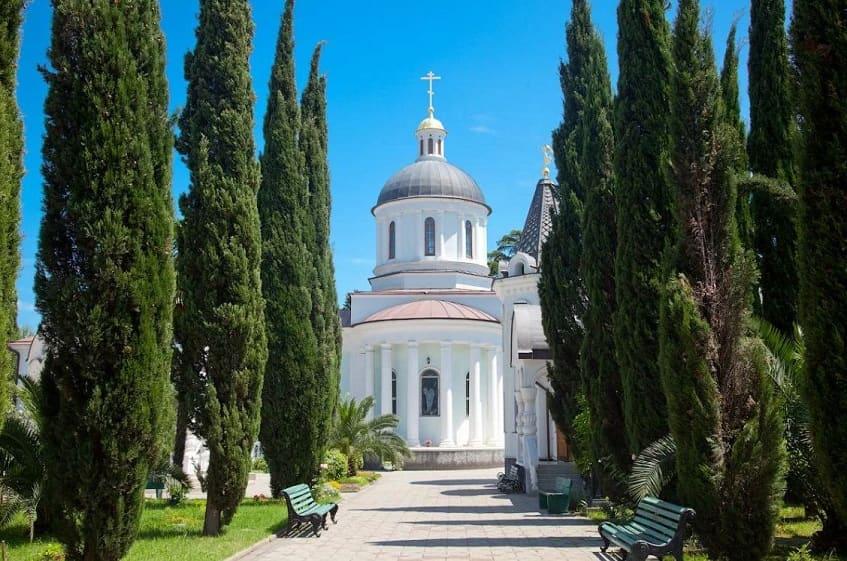 Крестильня Иверской церкви - фото