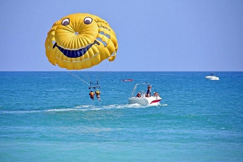Полёт на парашюте - фото