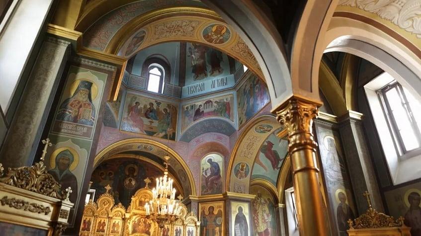 Внутреннее убранство собора - фото