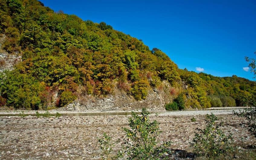 Долина ранней осенью - фото
