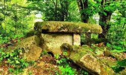 kompleks-dolmenov-kalezhtam