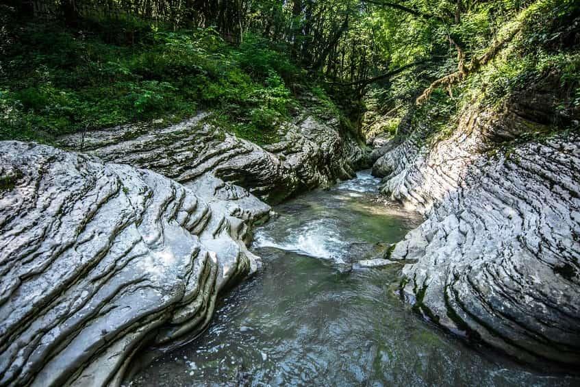 Мокрый каньон - фото