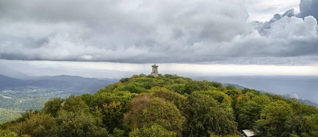 Вид со смотровой площадки башни Ахун - фото