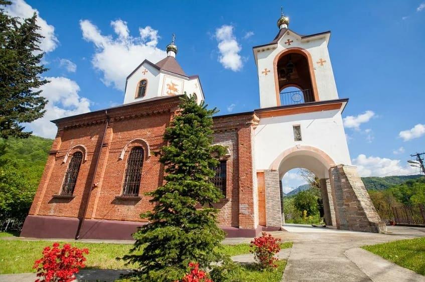 Храм святого Георгия Победоносца - фото