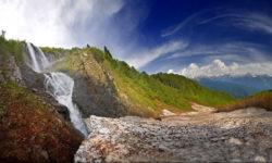 raspolozhenie-vodopada-na-ogromnoj-vysote