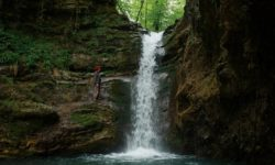 vodopad-letom