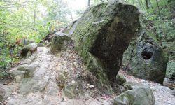 dolmen-monolit