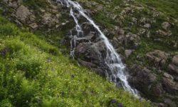 medvezhij-vodopad-na-krasnoj-polyane