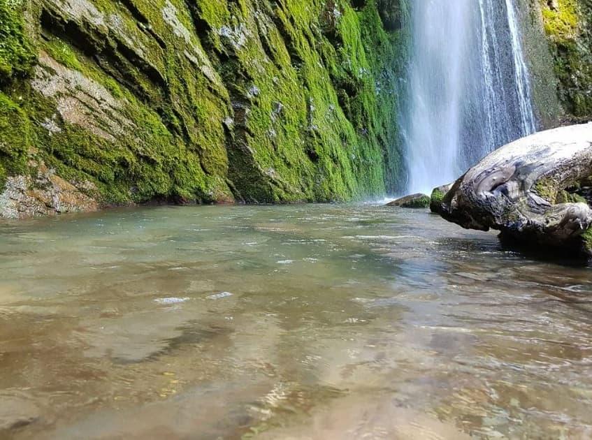 Водопад Хрустальный в Сочи - фото