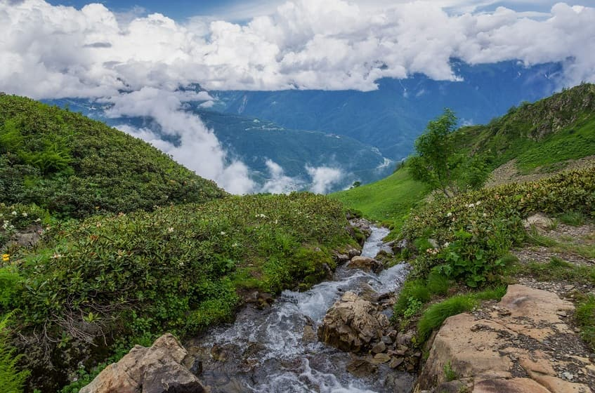 Вид с верхней точки водопада - фото