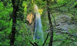 vodopad-hrustalnyj-v-sochi