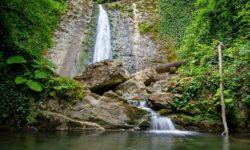 pervyj-vodopad-na-puti