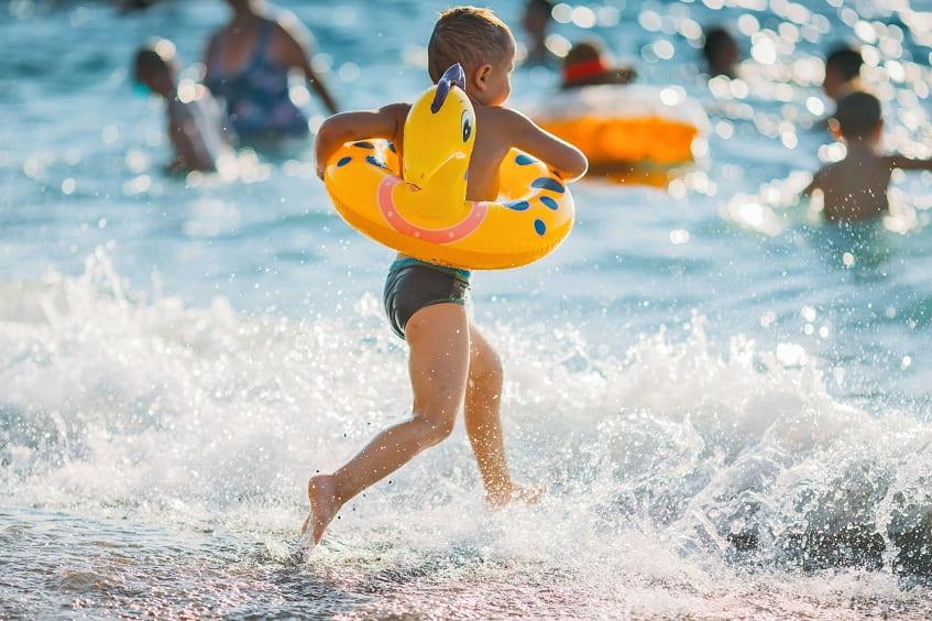 Пляж Мандарин в Адлере - фото